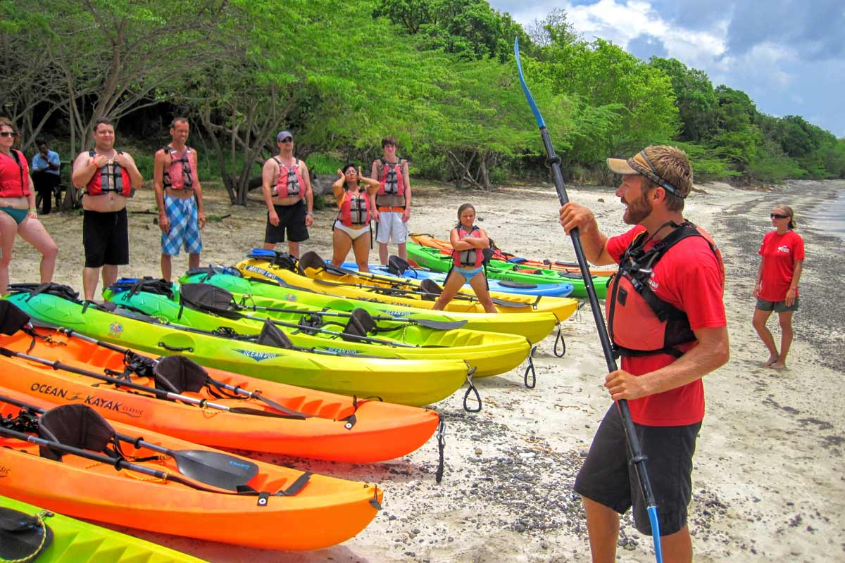 A Kayaking Puerto Rico guide training guests before departing on a snorkeling in culebra day trip